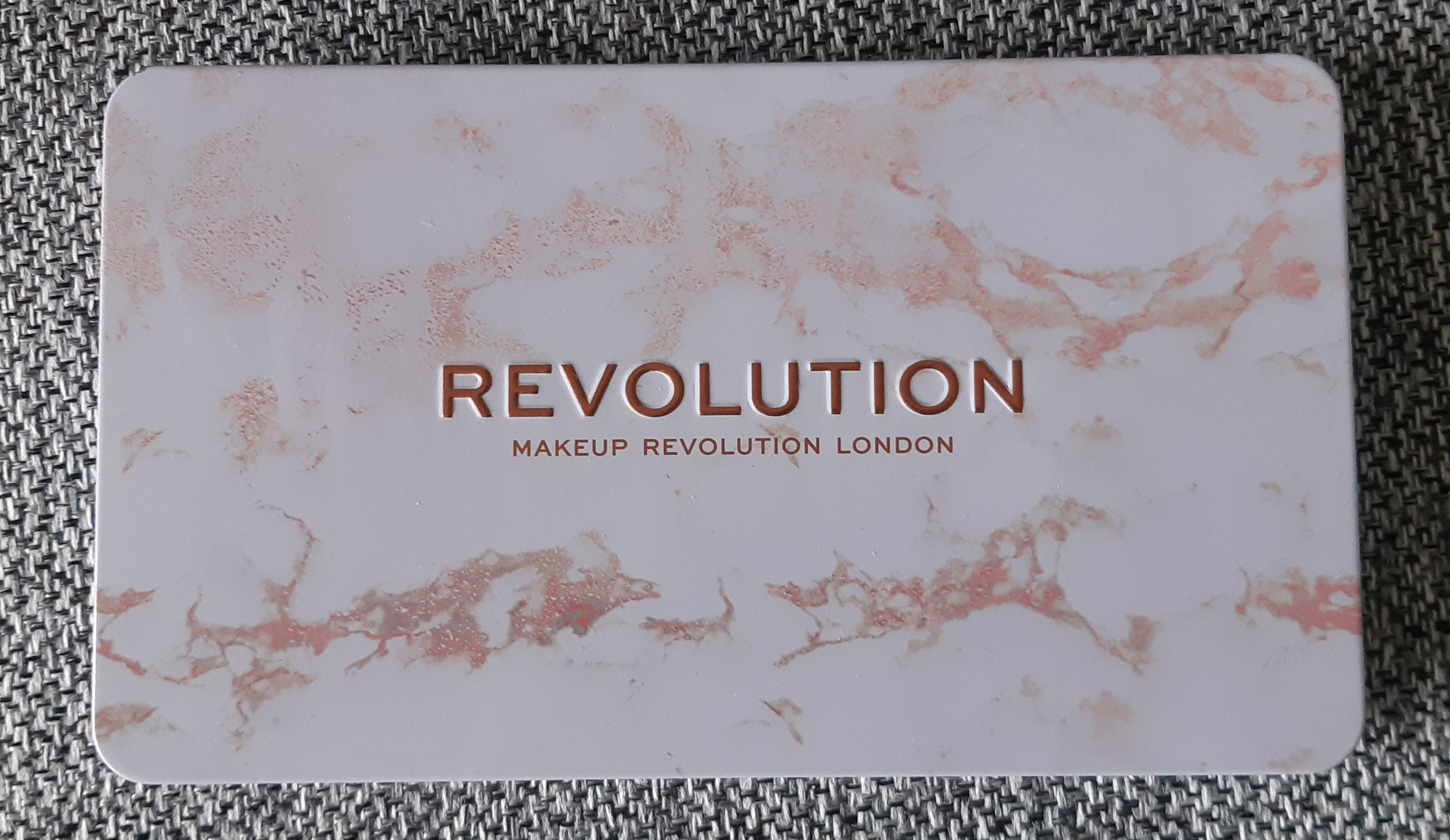 Makeup Revolution Forever Flawless Decadent Eyeshadow Pallet