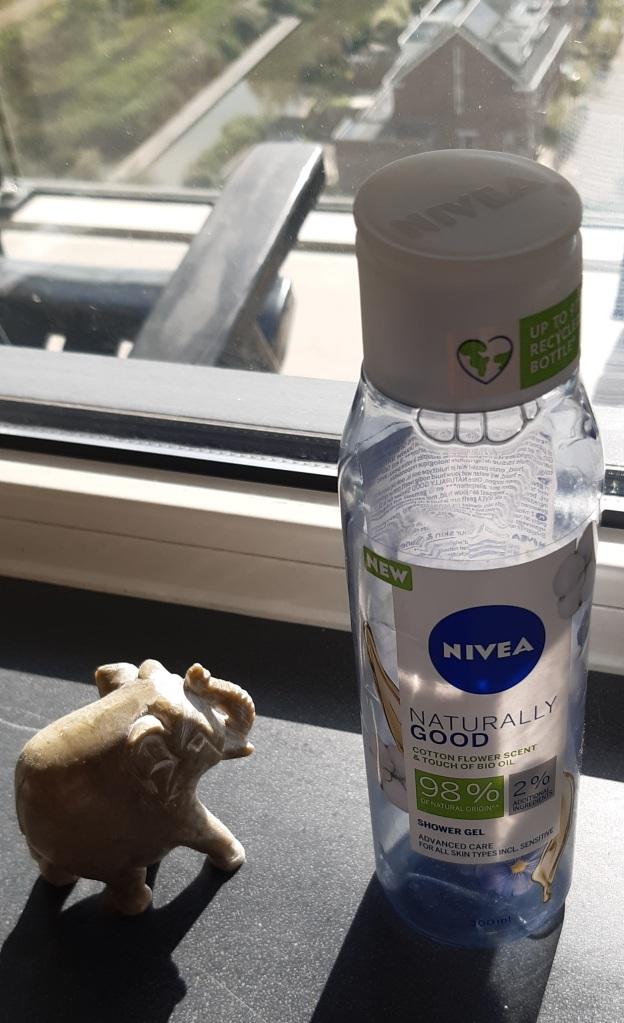 Nivea Naturally Good Cotton Flower Sent & Touch of Bio Oil Shower Gel